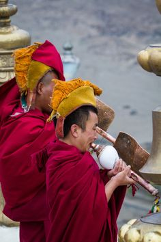 Buddhist monks in Leh #Himalaya