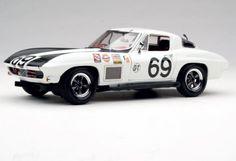 1967 Exoto Corvette Sting Ray Competition