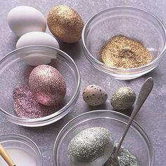 DIY - glitter eggs - via Martha Stewart. Instead of dye easter eggs we will just glitter them Easter Crafts, Holiday Crafts, Holiday Fun, Fun Crafts, Crafts For Kids, Easter Ideas, Holiday Ideas, Easter Recipes, Festive