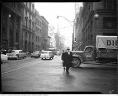 Yonge Street predates confederation by of a century. Here are some great Vintage Yonge Street pics from that show the changes. Toronto Street, Downtown Toronto, Peter Street, Queen Street West, Hidden Art, Yonge Street, Toronto Ontario Canada, Old Gas Stations, Ocean House