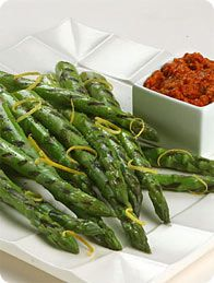 California Grown Grilled Asparagus with Romesco Sauce #CAgrown
