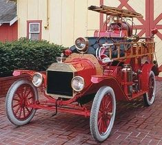 1914 Ford model T hook and ladder truck.