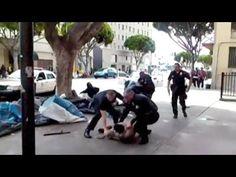 LOS ANGELES POLIZIA SPARA A UN SENZATETTO - Guardalo