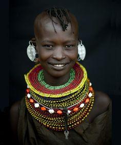 www.cewax.fr love this statement necklace ethno tendance, style ethnique, #Africanfashion, #ethnicjewelry - CéWax aussi fait des bijoux : http://www.alittlemarket.com/collier/fr_collier_plastron_multi_rang_ethnique_en_tissu_africain_beige_prune_jaune_-15921837.html -  turkana kenia y sudan