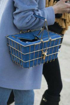 A shopping basket bag - Paris Fashion Week - street style - Accessories Fall 2014 Fashion Mode, Fast Fashion, Look Fashion, Fashion Bags, Fashion Accessories, Fashion Beauty, Fashion Outfits, Fashion Handbags, Handbag Accessories