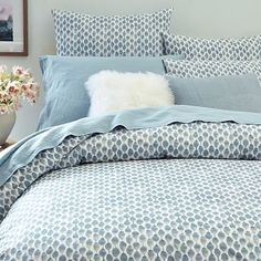 west elm's modern duvet covers help make a beautiful bed. Find organic and soft cotton duvet covers in bold prints and smart solids. Cute Bedding, Linen Bedding, Bedding Shop, Bed Linens, Bedding Sets Online, Luxury Bedding Sets, Modern Bedding, Colchas Quilt, Bedroom Decor