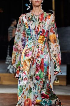 Vogue Fashion, Fashion Week, Fashion 2020, Daily Fashion, Runway Fashion, Spring Fashion, High Fashion, Fashion Show, Fashion Design