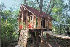 PHOTOS. Cette cabane dans les arbres est (presque) totalement habitable