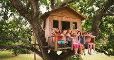 Wenn Sie ein Baumhaus selber bauen, ist dies für Ihr Kind Spiel, Spaß, und Spannung – aber auch ein Rückzugsort.