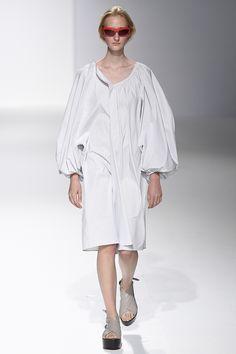 Chalayan Spring 2017 Ready-to-Wear Fashion Show