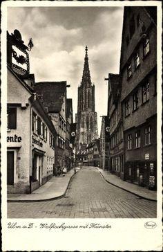 Ulm an der Donau Baden Württemberg, Walfischgasse mit Münster, Geschäfte, Weinhandlung, Stengel