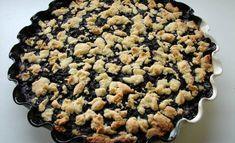 Mustikkapiirakka kuuluu Suomen kesään. Ohjeita löytyy niin monta kuin kokkejakin, mutta yksi resepti on suosiossaan ylitse muiden. Milla Rostedtin Kotikokkiin lataamaa reseptiä on katsottu lähes 1,7 miljoonaa kertaa. Vegan Cake, Vegan Desserts, Finnish Recipes, Vegan Gains, Sweet Pie, Happy Foods, Something Sweet, What To Cook, No Bake Cake