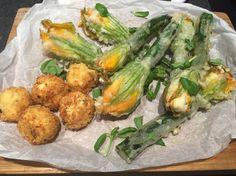 First attempt at stuffed zucchini flowers Zucchini Flowers, Stuffed Zucchini, Baking, Vegetables, Food, Stuffed Marrow, Bakken, Essen, Vegetable Recipes
