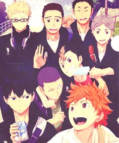 Karasuno! ONE BIG HAPPY FAMILY!! :3