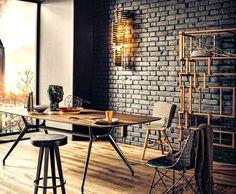 Χρησιμοποίησε τούβλα στη διακόσμηση του σπιτιού -JoyTV