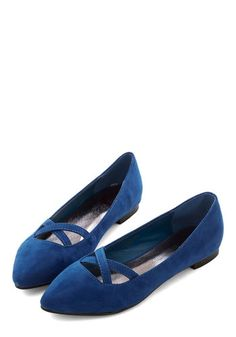 Style Pointers Flat. As the go-to style maven of your group, you flaunt these pointy cobalt flats to demonstrate the definition of bold beauty. #gold #prom #modcloth