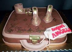 Emozioni in torte- Le torte di Angelica: Valigia e accessori LV