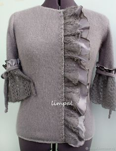 Knitting Patterns Sweter Blouse 'Gray silk-II' – buy or order in the Internet-m … Fashion Details, Diy Fashion, Winter Fashion, Womens Fashion, Diy Clothing, Sewing Clothes, Mode Abaya, Recycled Sweaters, Recycled Fashion