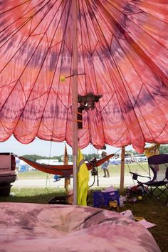 Parachute tent- tips for resourceful festival packing