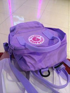 Fjallraven kanken violet Finally, I got it. Mochila Kanken, Kanken Backpack, Violet Aesthetic, Lavender Aesthetic, Estilo Converse, Aesthetic Backpack, Mode Kawaii, Cute Backpacks, Soft Purple