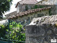 Things that bring me joy ~ the rustic beauty of the French countryside as seen in the Auvergne. Wishing you a joyful day! FARRAGOZ ~ Online Courses in the Art of Patina. #france #frenchcountry #campagne #ruralfrance #Vernassal #travelphotography #farragoz #stonewalls #Auvergne #patina #rustic