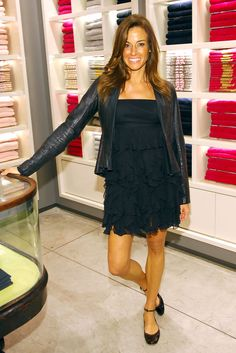 Kelly Bensimon Photos Photos - TV Personality Kelly Killoren Bensimon attends the Mother's Day celebration shopping event benefiting Women's Cancer Research Fund at Juicy Couture Flagship on May 5, 2009 in New York City. (Photo by Rob Loud/Getty Images) <i></i>* Local Caption <i></i>* Kelly Killoren Bensimon - Kelly Bensimon & Daughters Host Mother's Day Celebration Shopping Event
