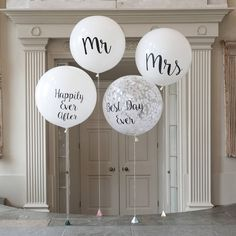 Set of 4 Wedding Giant Balloons These stunning Wedding Giant Balloons are perfect for celebrating your special day together! These stylish white giant balloons are available printed Mr & Mrs, Mr & Mr or Mrs & Mrs because love Wedding Ballons, Wedding Balloon Decorations, Balloon Centerpieces, Mr And Mrs Balloons, Giant Balloons, White Balloons, Bubblegum Balloons, Confetti Balloons, Diy Wedding