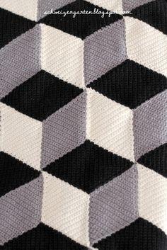 Vasarely Blanket, Pattern, Tutorial, deutsch, Häkeldecke, häkeln, Baumwollpflanze, Sofa, Kivik, weiss, Kissen, Überseekoffer,