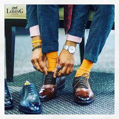 loding_officielUn beau glaçage sur le devant du soulier donne toujours une touche d'élégance. Parfait pour tous les Dandys !  #loding #menshoes #lodingshoes #oxfordshoes #beautiful #chic #elegance #socks #montre #brown #orange #grey #lacets #pornshoes  @loding_officiel