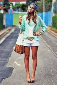 Brazilian relaxed and colorful style.