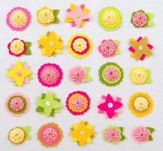 Felt Flower Charms | Purl Soho - Create Felt Flowers Patterns, Dyi Flowers, Sunflowers And Daisies, Handmade Flowers, Fabric Flowers, Felted Flowers, Felt Flower Tutorial, Purl Bee, Flower Template