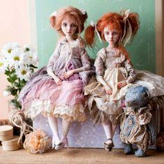 Медвежонок в этой компании от @elinasbears.  Куклы находятся в частной коллекции.  Sold. Art Dolls By Oplakanska
