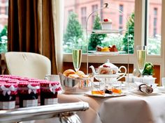 The 10 Best Afternoon Teas in London: The Shard, Claridge's, Fortnum & Mason - Condé Nast Traveler