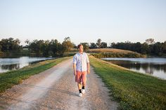 outdoor male senior pictures in iowa 20
