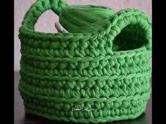 Cesta de crochet con nombre bordado - YouTube