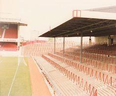 Highbury's North Bank terraces early where i stood Civil Engineering Projects, Arsenal Fc, Arsenal Football, Football Casuals, Football Images, Retro Football, Football Stadiums, Aston Villa, Great Team