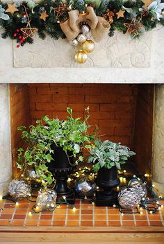 Creating a Rustic and Eclectic Christmas Decor-- styling by Gloribell Lebron of I Don't Know How She Does It. || @Gloribell