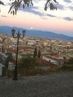 πανσέληνος στην Κοζάνη full moon in kozani greece Creative Instagram Photo Ideas, World Cities, Together We Can, Greece, Art Photography, Places To Visit, Castle, Tours, Sky