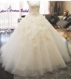 Princess ball gown wedding dress, sweetheart neckline wedding gown, strapless champagne wedding gown
