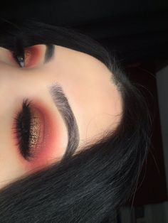 I love the combination between red and gold
