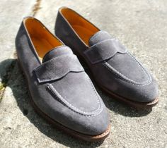 The Best Men's Shoes And Footwear : Christian Kimber Blue Suede Loafers -Read More – Blue Suede Loafers, Loafers Men, Best Shoes For Men, Men S Shoes, Red Bottoms For Men, Fashion Boots, Mens Fashion, Clarks, Oxford Shoes