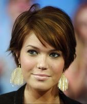 Haircut For Round Face Shape Thin Best Hairstyles Ideas For 2019 - Easy Hairstyles Haircuts For Round Face Shape, Short Hair Cuts For Round Faces, Short Hairstyles For Thick Hair, Hairstyles For Round Faces, Easy Hairstyles, Curly Hair Styles, Gorgeous Hairstyles, Very Short Pixie Cuts, Cool Hair Designs