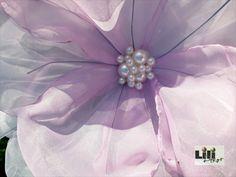 A virágok közepei akt tekla gyöngyből is készülhetnek.