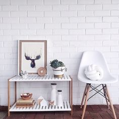 Add a Mocka Jimmy Stand to your entryway or hallway to make a stylish first impression. Jimmy Stand styled by misskyreeloves.