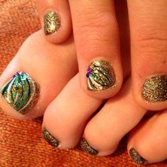 Kati's peacock nails...