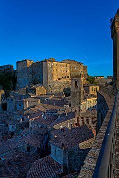 Sorano #maremma #tuscany #citttadeltufo