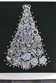 VINTAGE JEWELRY  FRAMED CHRISTMAS TREE  STUNNING