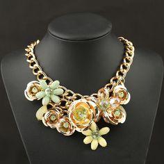 Colier cu flori aurii Flower Choker, Collar Necklace, Statement Jewelry, Chokers, Women Jewelry, Pendant Necklace, Jewels, Hiphop, Google