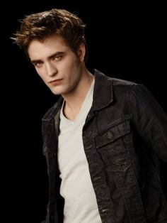 Now Robert Pattinson is good looking, don't get me wrong, but I have a crush on the character he plays Edward Cullen of the Twilight book series! Robert Pattinson Twilight, Edward Cullen Robert Pattinson, Edward Pattinson, Twilight Edward, Edward Bella, Twilight Saga, Twilight Pics, Twilight Quotes, Belle Nana