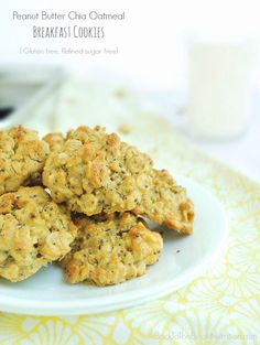 Peanut Butter Chia Oatmeal Breakfast Cookies Gluten free Back To The Book Nutrition, Chia Seed Peanut Butter Cookies from Yummy Mummy Kitch. Tasty Vegetarian Recipes, Healthy Cookie Recipes, Healthy Cookies, Gluten Free Cookies, Healthy Snacks, Cooking Recipes, Healthy Eating, Protein Snacks, Whey Protein